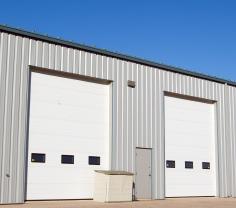Garážová - průmyslová vrata s okny