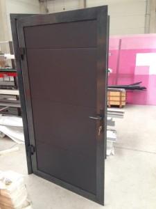 garážová vrata, okna a dveře